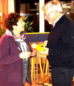 Heinz Breuer wurde aus der Fraktion verabschiedet. Anneliese Große-Holtforth bedankte sich für seinen Einsatz.